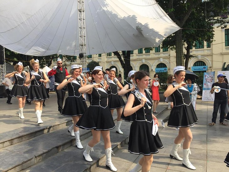 Majorettes – Belgian baton twirler girls  - ảnh 1