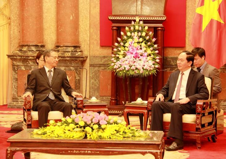 陈大光会见俄罗斯驻越大使弗努科夫和日本驻越大使深田 - ảnh 2