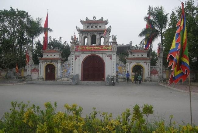游览争庙了解争江水神的故事 - ảnh 1