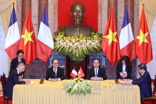 法国媒体纷纷报道奥朗德的越南之行 - ảnh 1