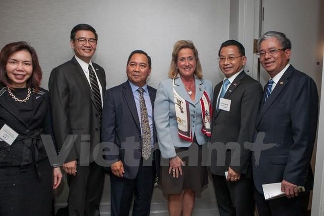 美国议员希望推动与越南乃至东盟的合作关系 - ảnh 1