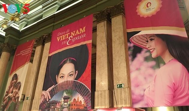 """""""西班牙越南日""""活动介绍越南特色文化 - ảnh 1"""