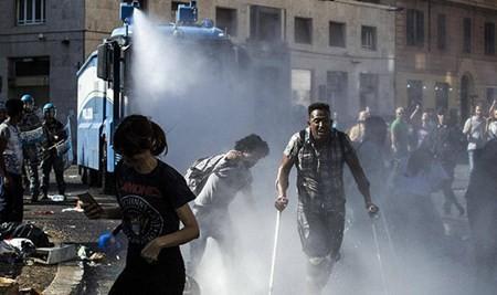 移民问题:意大利警方与数百名难民发生冲突 - ảnh 1