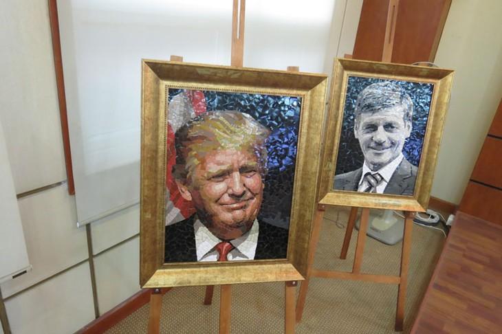 """同奈省""""2017年APEC各经济体领导人肖像""""陶瓷拼贴画展即将开展 - ảnh 1"""