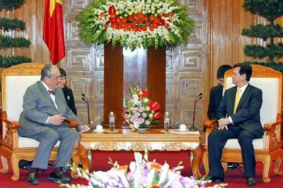 Chilenischer Präsident trifft in Ho Chi Minh Stadt ein - ảnh 1