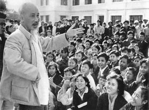 Ausstellung: Präsident Ho Chi Minh – der Held der nationalen Befreiung - ảnh 1