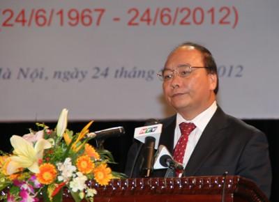 Die Aufnahme diplomatischer Beziehungen Vietnam - Kambodscha gefeiert - ảnh 1