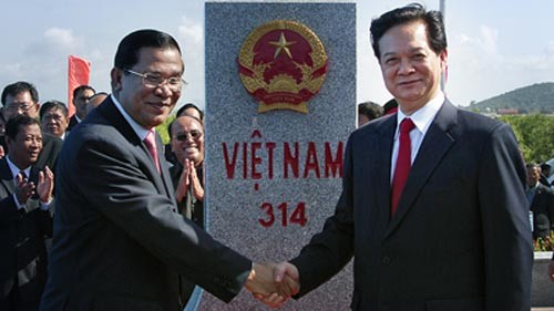 Einweihung des letzten Grenzsteins zwischen Vietnam und Kambodscha - ảnh 1