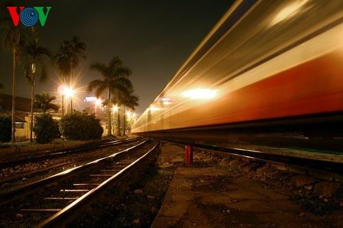 Die Nacht auf dem Hanoier Bahnhof - ảnh 10