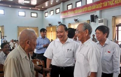 Abgeordnete informieren die Wähler über die Ergebnisse der Parlamentssitzung - ảnh 1