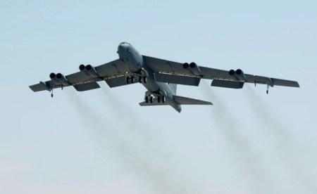 """US-Kampfflugzeuge fliegen durch chinesische """"Luftverteidigungszone"""" - ảnh 1"""