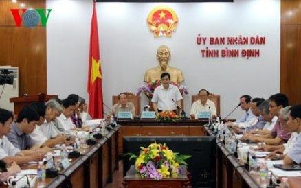 Landwirtschaftsminister überprüft Hilfspolitik für Fischer in Binh Dinh - ảnh 1