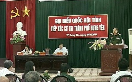 Verteidigungsminister Phung Quang Thanh trifft Wähler in der Provinz Hung Yen - ảnh 1