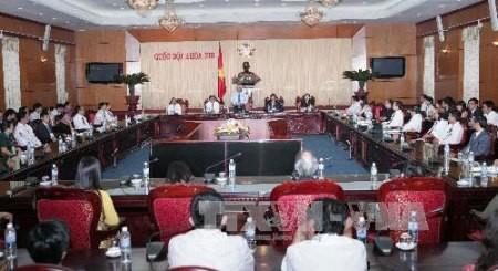 Vize-Parlamentspräsident Uong Chu Luu empfängt herausragende Unternehmer - ảnh 1