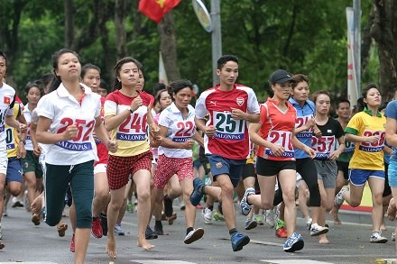 Feierlichkeiten zum 60. Befreiungstag der Hauptstadt Hanoi - ảnh 1