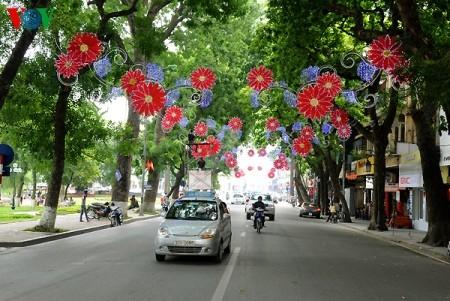 Hanoi feiert 60. Befreiungstag - ảnh 1