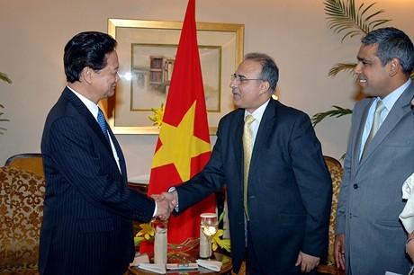Tätigkeiten des Premierministers Nguyen Tan Dung in Indien - ảnh 1