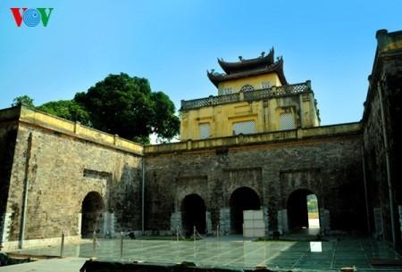 Zehn typische Architektureinrichtungen der Geschichte Hanois - ảnh 2