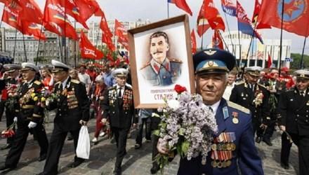 Vietnamesische Zeitungen loben den Sieg über den Faschismus - ảnh 1