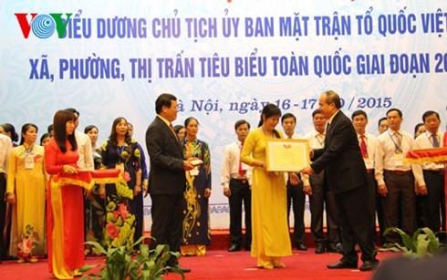 Auszeichnung der vorbildlichen Vorsitzenden der Vaterländischen Front Vietnams auf Kreisebene - ảnh 1