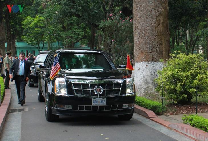 US-Präsident Barack Obama besucht Stelzenhaus von Präsident Ho Chi Minh - ảnh 12