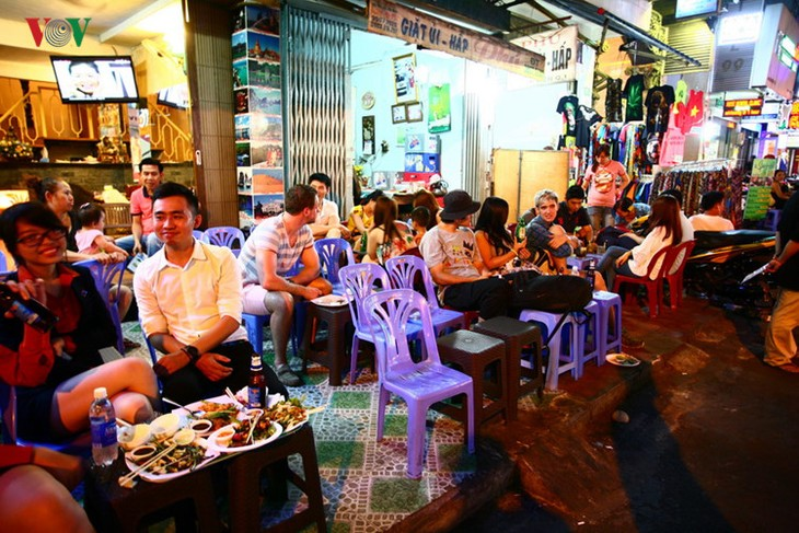 Die beliebten Besuchsziele in Ho Chi Minh Stadt - ảnh 11