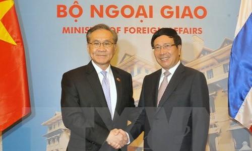 Vize-Premierminister, Außenminister Pham Binh Minh führt Gespräch mit dem Außenminister Thailands - ảnh 1