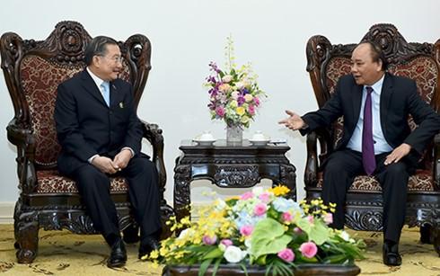 Premierminister Nguyen Xuan Phuc trifft Vorsitzender des thailändischen TCC-Konzerns - ảnh 1