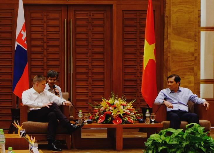 Slowakischer Premierminister Robert Fico: Da Nang ist eine wunderschöne Stadt für Tourismus - ảnh 1