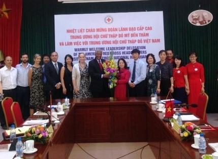 Das Rote Kreuz der USA unterstützt die humanitären Projekte in Vietnam mit 20 Millionen US-Dollar - ảnh 1