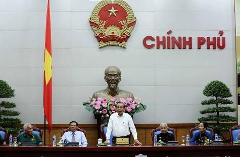 Vize-Premierminister Truong Hoa Binh trifft Vertreter mit Verdiensten der Provinz Ca Mau - ảnh 1