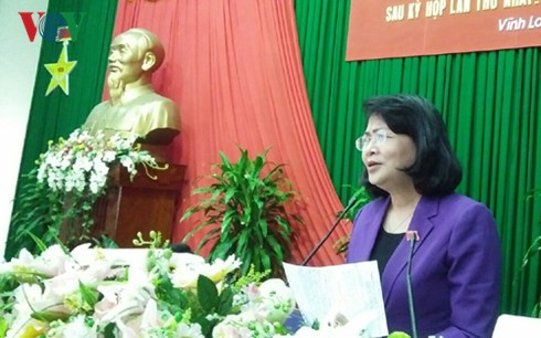 Vize-Staatspräsidentin Nguyen Thi Ngoc Thinh trifft Wähler in Vinh Long - ảnh 1