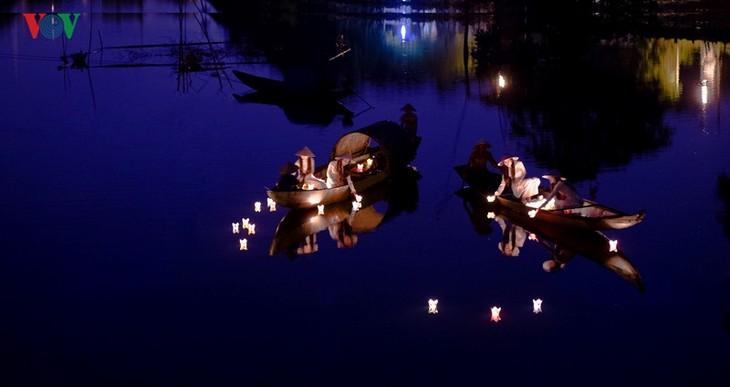 Die Schönheit der Kaiserstadt Hue in der Nacht - ảnh 4