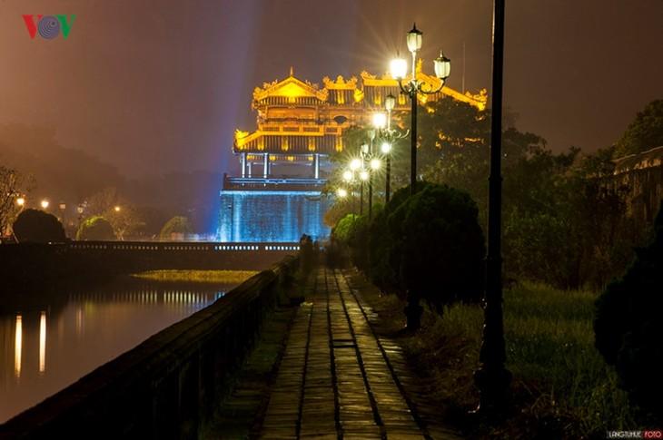 Die Schönheit der Kaiserstadt Hue in der Nacht - ảnh 6