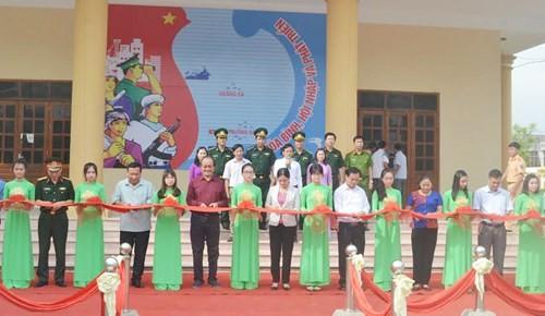 Ausstellung über die vietnamesischen Inselgruppen Hoang Sa und Truong Sa in Nghe An - ảnh 1