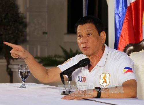 Präsident der Philippinen: Verhandlung mit China muss auf dem Urteil des Schiedshofes basieren - ảnh 1