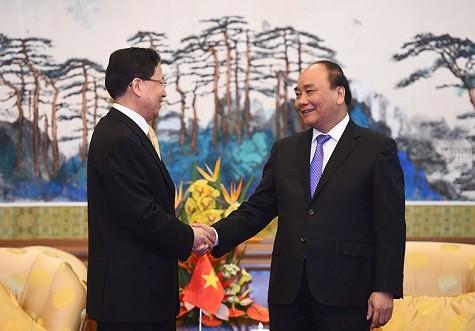 Große Konzerne und Banken Chinas wollen in Vietnam investieren - ảnh 1