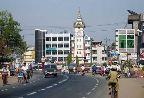 US-Präsident hebt Wirtschaftssanktionen gegen Myanmar auf - ảnh 1