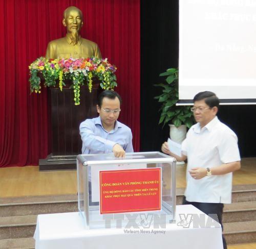 Weitere Spendeaktionen für Flutopfer in Zentralvietnam - ảnh 1