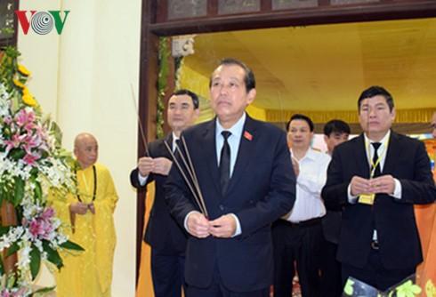 Vizepremierminister Truong Hoa Binh besucht Trauerfeier für den Mönch Thich Chon Thien - ảnh 1