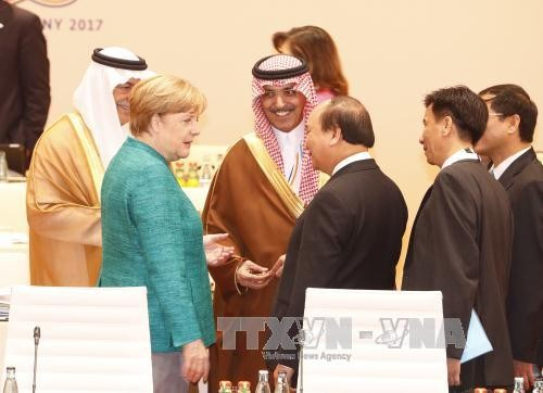 Premierminister Nguyen Xuan Phuc beendet sein Besuch in Deutschland - ảnh 1