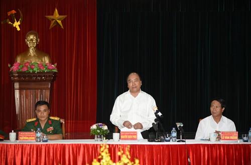 Premierminister Nguyen Xuan Phuc besucht Betrieb der Kriegsversehrten in Hai Phong - ảnh 1