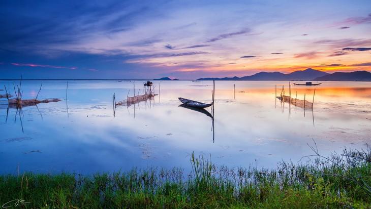 Wunderschöne Fotos über die Kaiserstadt Hue, am Tag und in der Nacht - ảnh 14