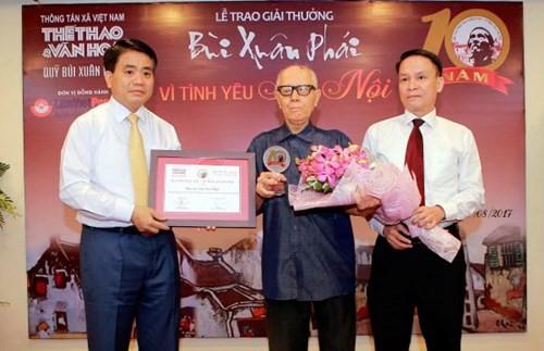 """Preis """"Bui Xuan Phai – Aus Liebe zu Hanoi"""" ehrt die Hanoi-Liebhaber - ảnh 1"""