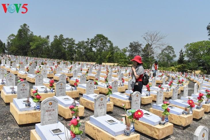 Besuche an den historischen Orten in Truong Son - ảnh 10