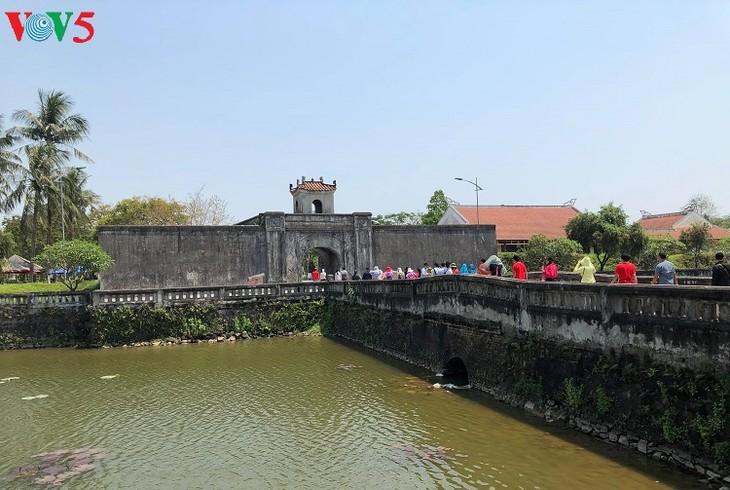 Besuche an den historischen Orten in Truong Son - ảnh 13