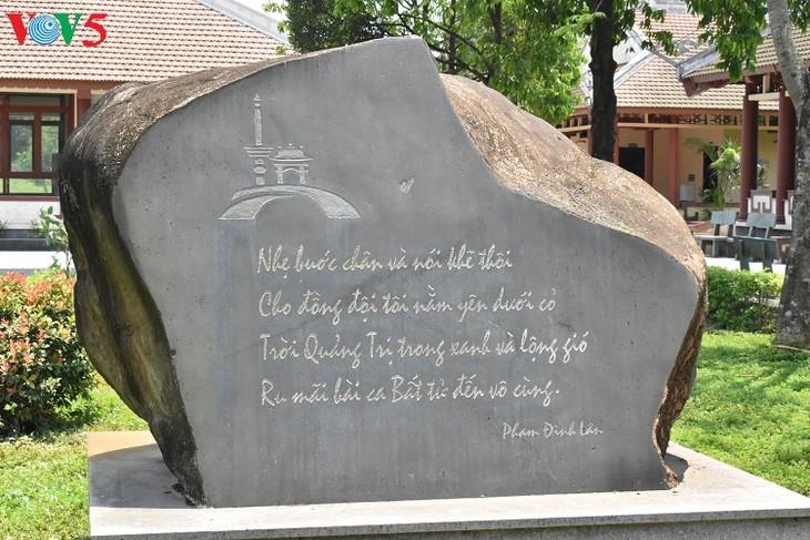Besuche an den historischen Orten in Truong Son - ảnh 17