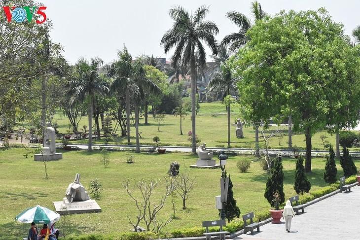 Besuche an den historischen Orten in Truong Son - ảnh 18