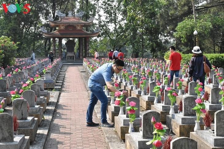 Besuche an den historischen Orten in Truong Son - ảnh 7