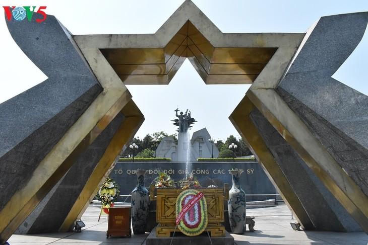 Besuche an den historischen Orten in Truong Son - ảnh 9